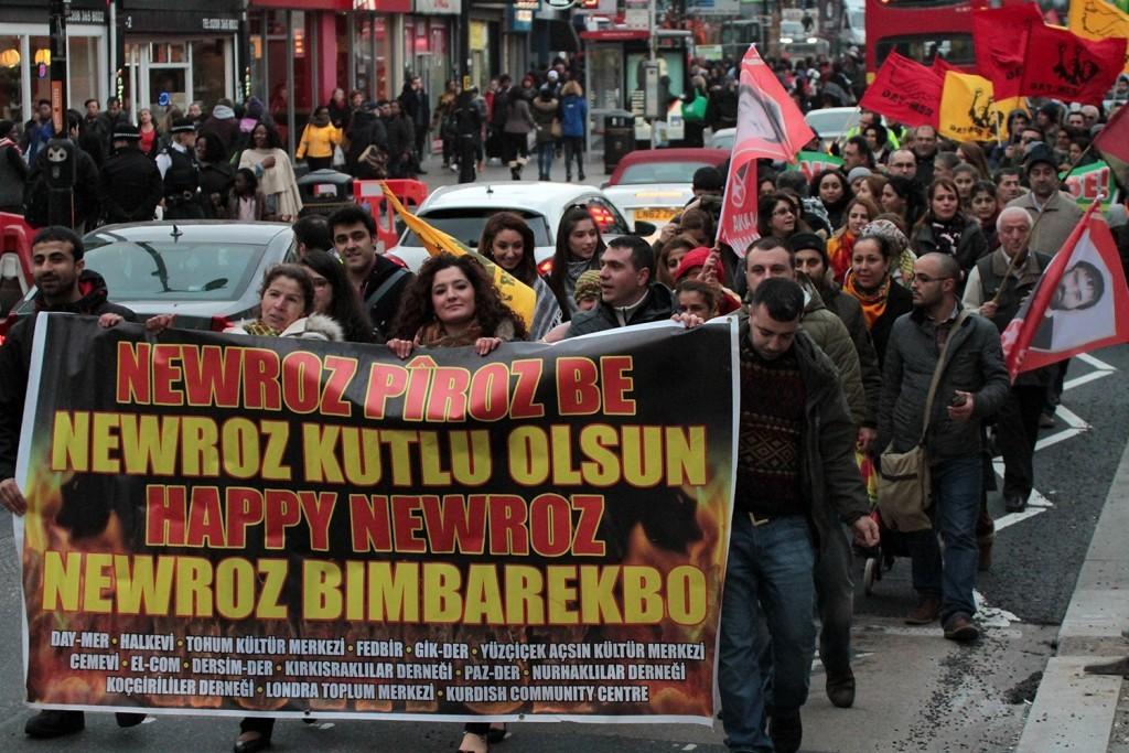 Başkent Londra'da Britanya Demokratik Güçbirliği organizasyonu ile Newroz yürüyüşü düzenlendi.